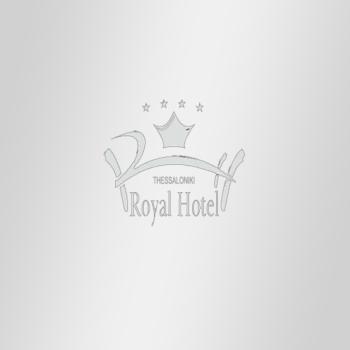 2.Royal Hotel-550x550